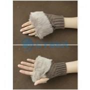 Перчатки без пальцев с меховой отделкой