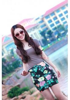 Короткая цветастая юбка