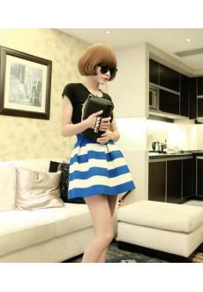 Короткая юбка с высокой талией